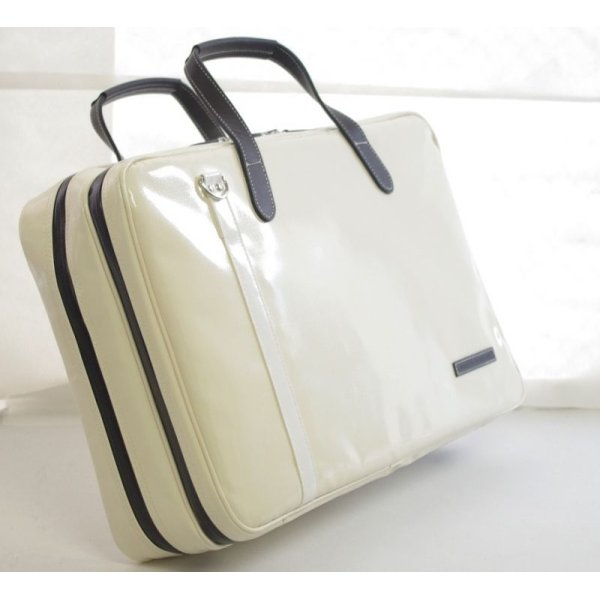 Photo2: NAHOK 2 Compartment Briefcase for Flute, Oboe, Clarinet [Deniro] Ivory / White, Chocolate {Waterproof, Temperature Adjustment & Shock Absorb}